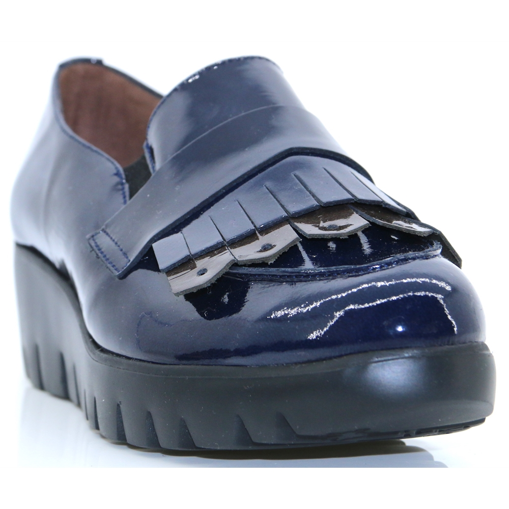 C-33137 - WONDERS NAVY PATENT SLIP ON SHOES