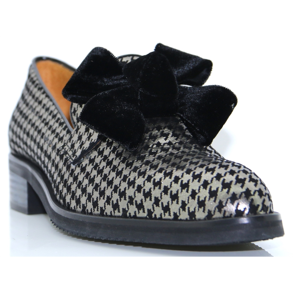 6116 - PANACHE HOUNDSTOOTH PRINT SLIP ON SHOES WITH BOW
