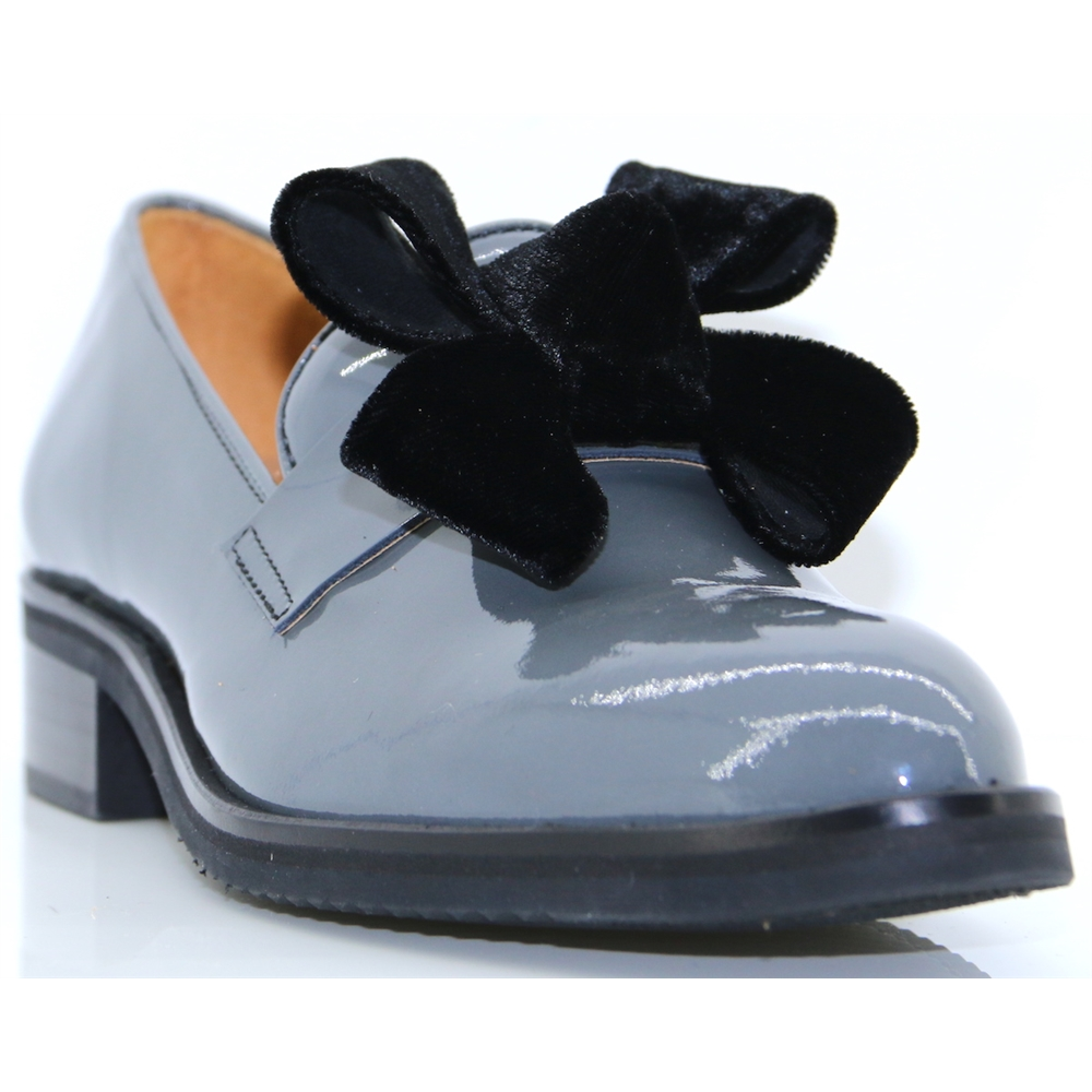 6116 - PANACHE GREY PATENT SLIP ON SHOES WITH BOW