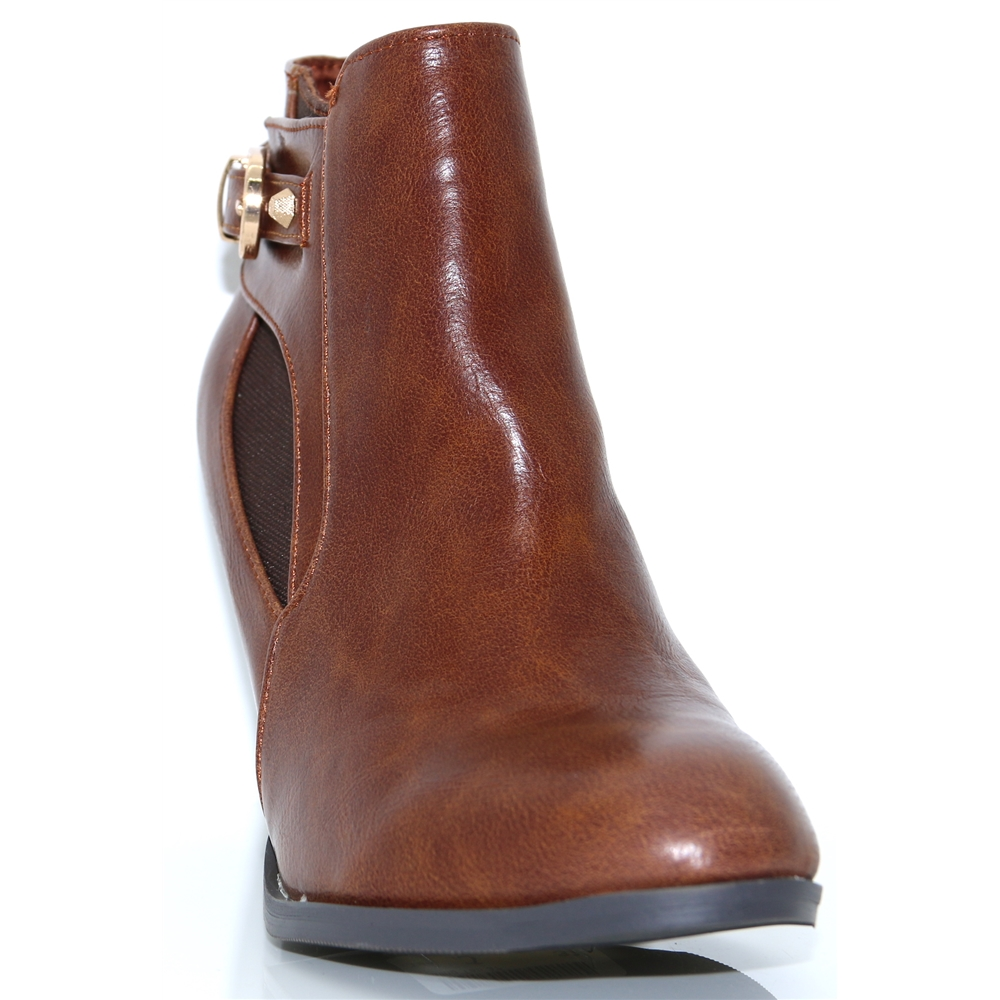Ealing - KATE APPLEBY TAN ANKLE BOOTS
