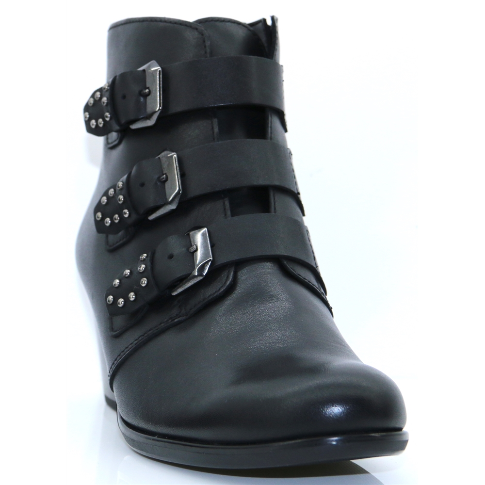 95.622 - GABOR BLACK ANKLE BOOTS WITH BUCKLES