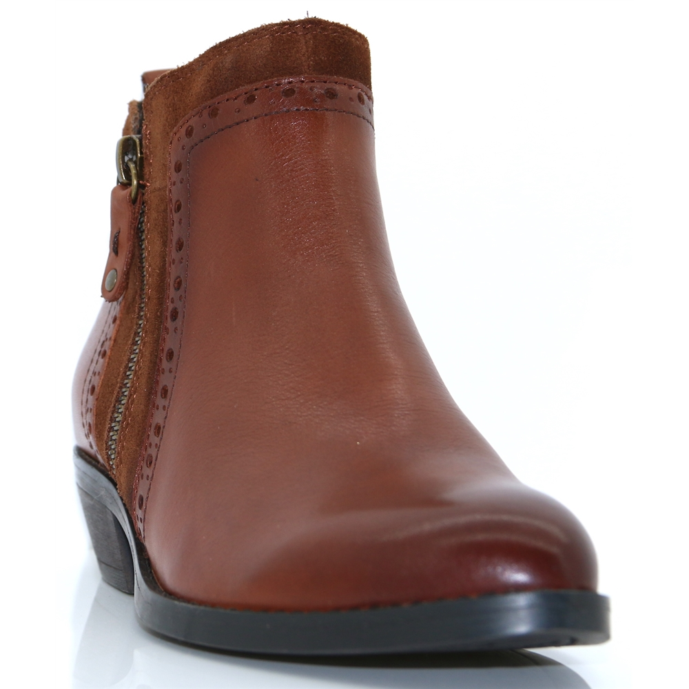 25393-21 - MARCO TOZZI TAN ANKLE BOOTS