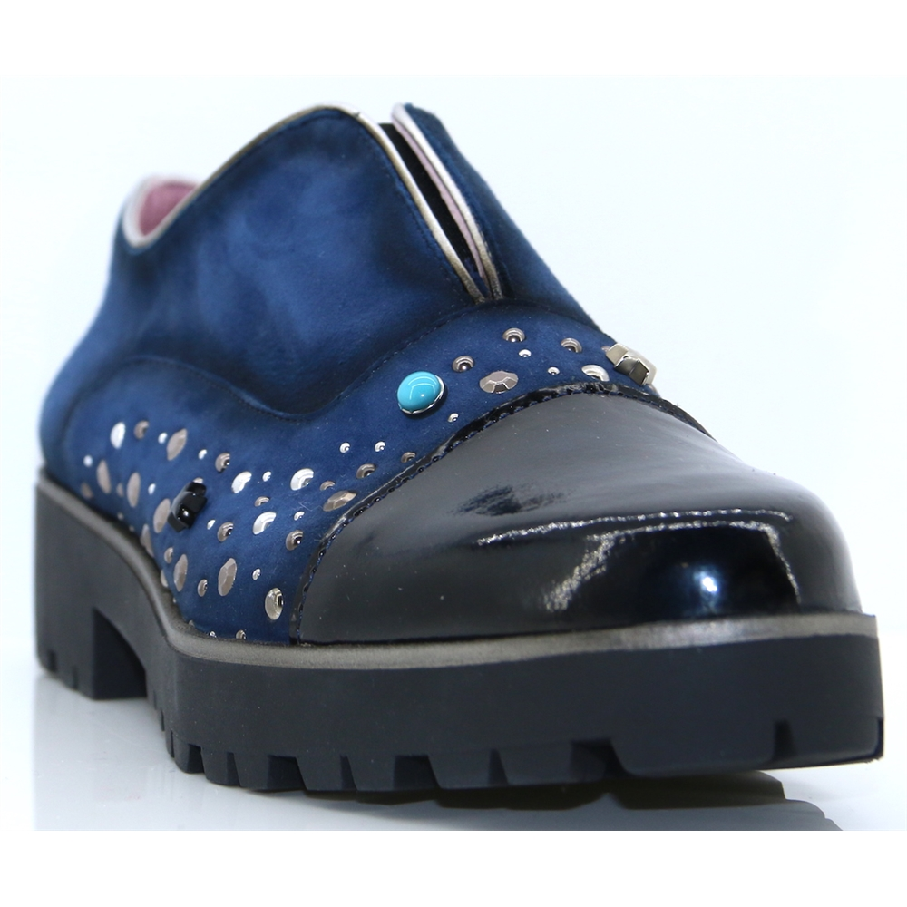1804 - MARIA LEON NAVY SLIP ON SHOES