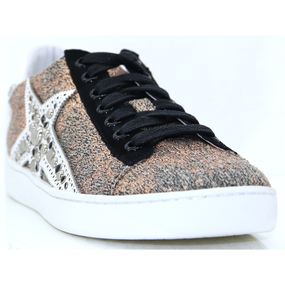 147Z75BK - LOLA CRUZ GOLD METALLIC STAR TRAINERS