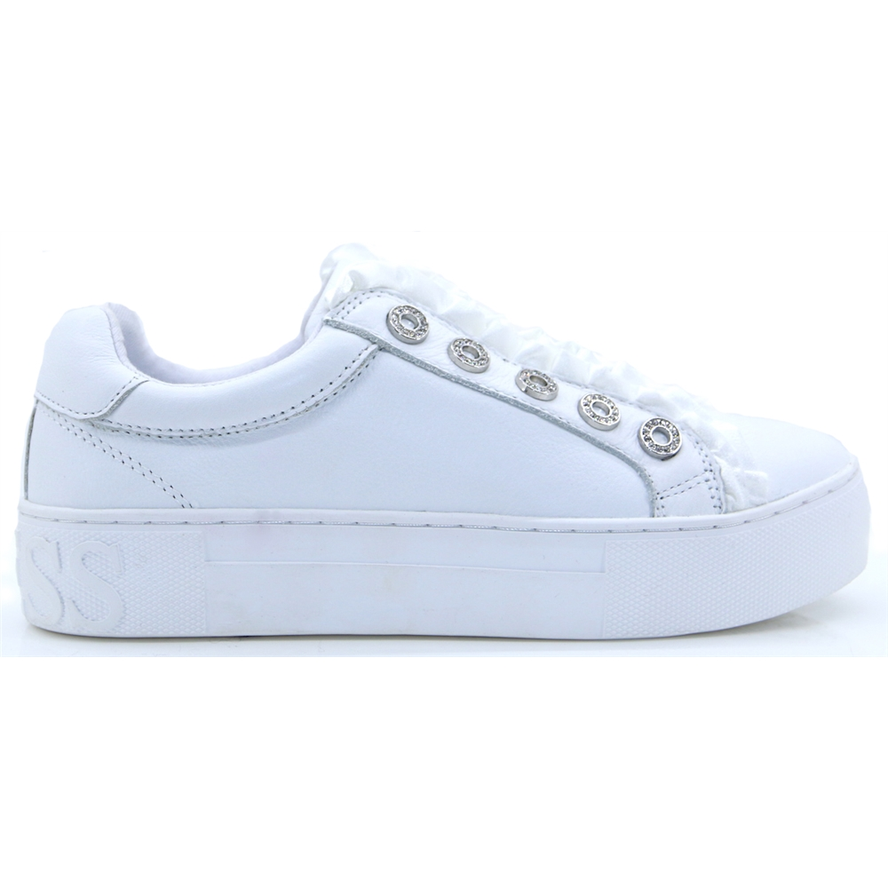 FL5MZRLEA12 - GUESS WHITE SLIP ON TRAINERS WITH FRILL