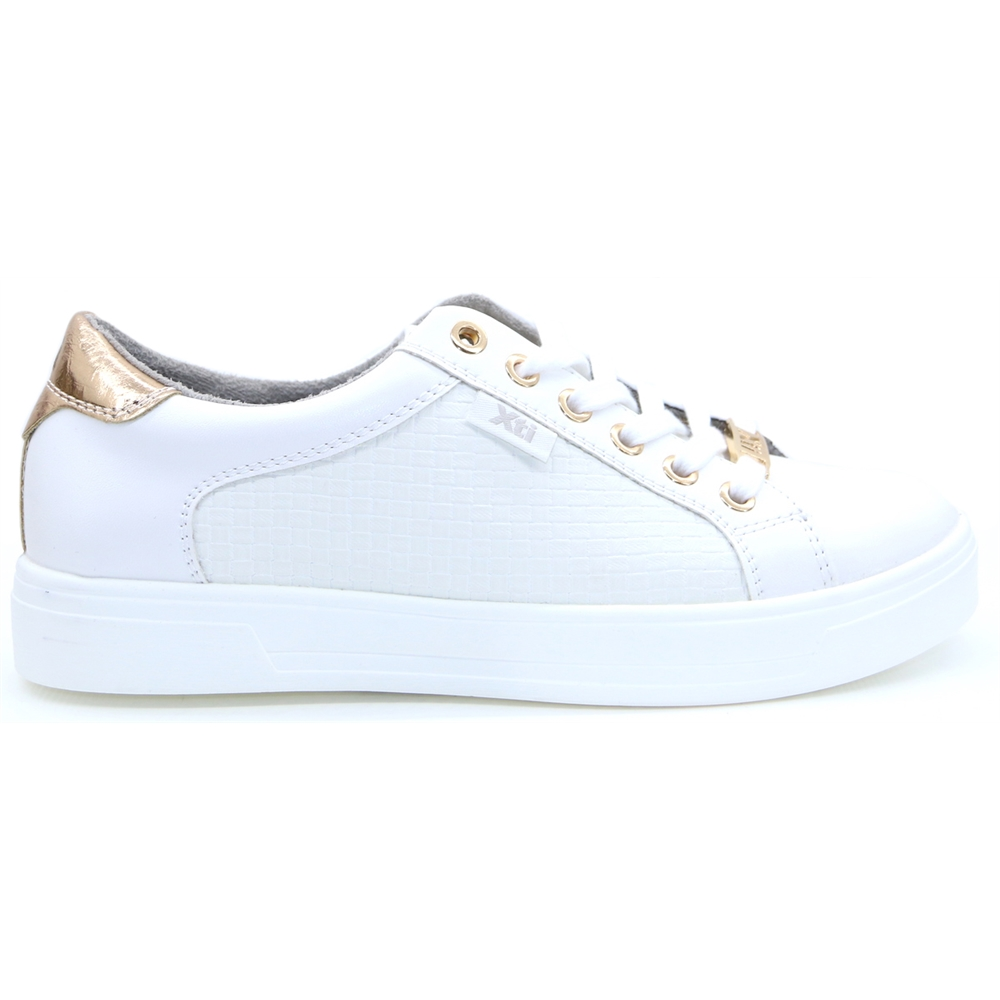 49804 - Xti White Trainers
