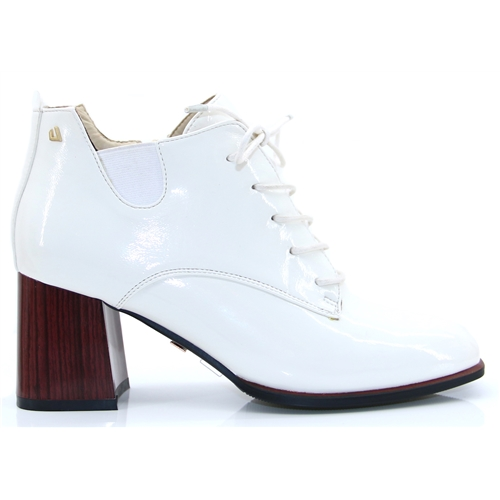 Forever Free - Una Healy Off White shoe Boots
