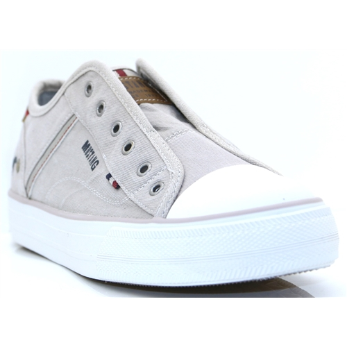 1272-401 - MUSTANG SILVER ICE SLIP ON TRAINERS