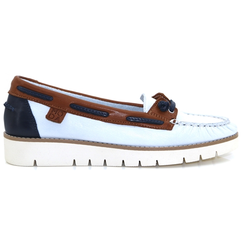 ee3c36e2efb4 Arela - MODA IN PELLE WHITE AND NAVY LOAFERS