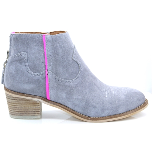 4011 - Alpe Grey Ankle Boots